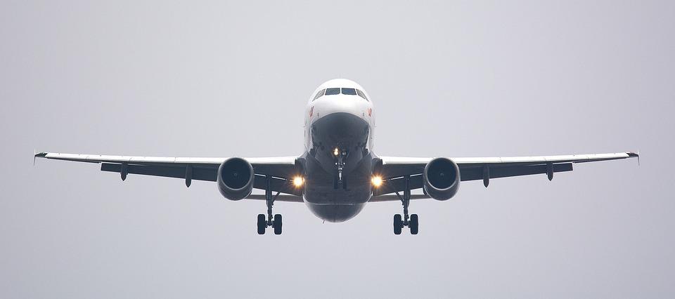 aircraft-2114464_960_720